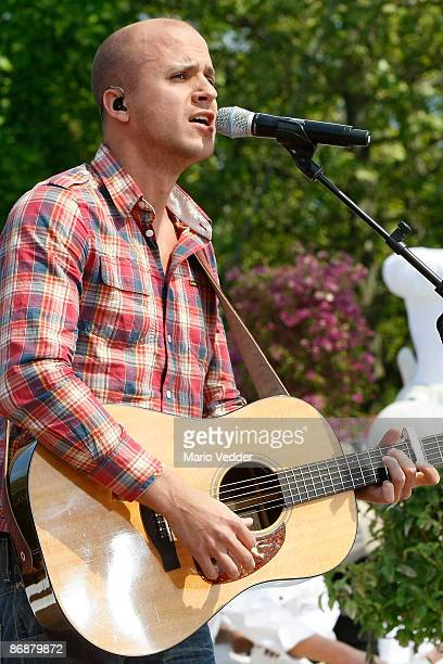 Milow performs a song during the live broadcast of the TV Show 'ZDF Fernsehgarten' at the ZDF TV gardens on May 10 2009 in Mainz Germany