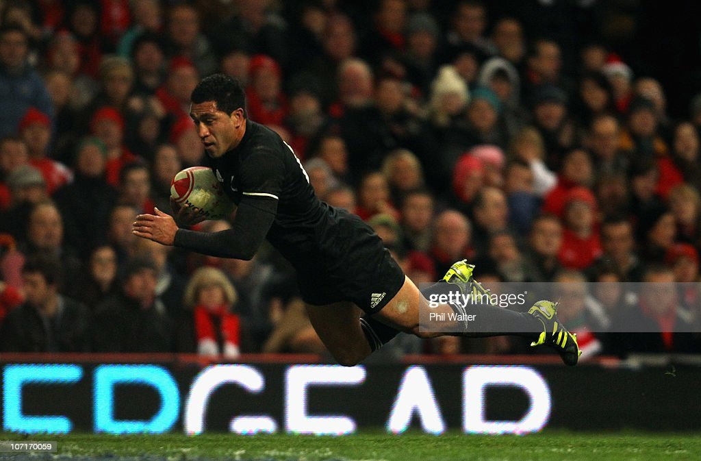 Mils Muliaina of the All Blacks scores a try during the Test match between Wales and the New Zealand All Blacks at Millennium Stadium on November 27, 2010 in Cardiff, Wales.