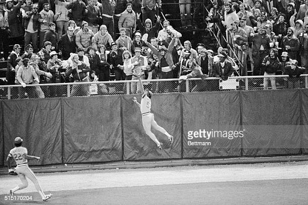 Cards' center fielder Willie McGee makes a spectacular gamesaving catch in the 9th inning of the game of the World Series The ball was hit by Gorman...