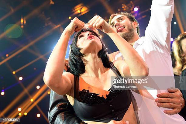 Mimi Fiedler Bernhard Bettermann and Marc Aurel Zeeb pose after the fith show of the television competition 'Stepping Out' on October 9 2015 in...