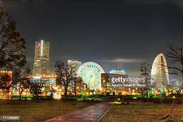 Minato Mirai's famous landmarks at night