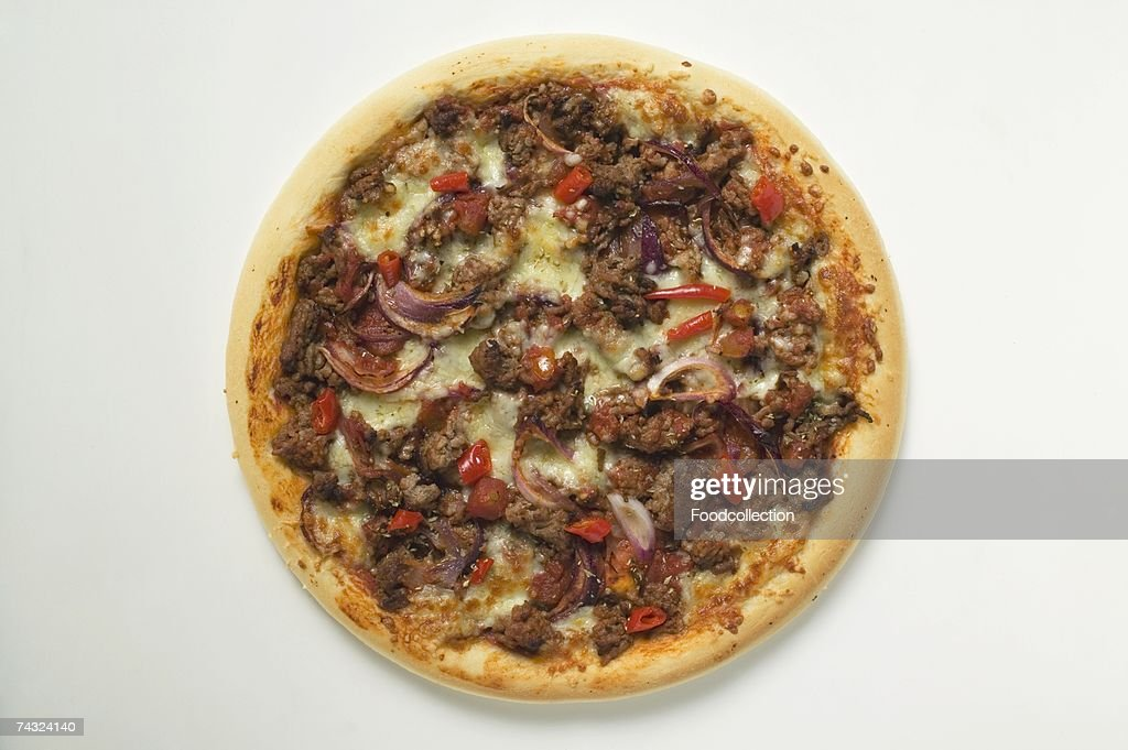 Mince and onion pizza with cheese : Stock Photo