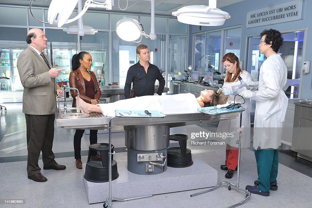 PROOF - 'Mind Games' - When a cause of death seems all too familiar, Megan is forced to come face to face with a serial killer she helped put away, on the Season Finale of 'Body of Proof,' TUESDAY, APRIL 10 (10:01-11:00 p.m., ET) on the ABC Television Network. JOHN CARROLL LYNCH, SONJA SOHN, NICHOLAS BISHOP, NATALIE TURPIN (ON TABLE), DANA