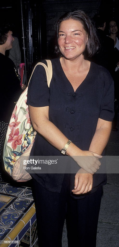 Mindy Cohen attends the performance of 'JoyRide' on May 11 1994 at the Westwood Playhouse in Westwood California