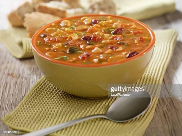 Minestrone zuppa di pane Crusty