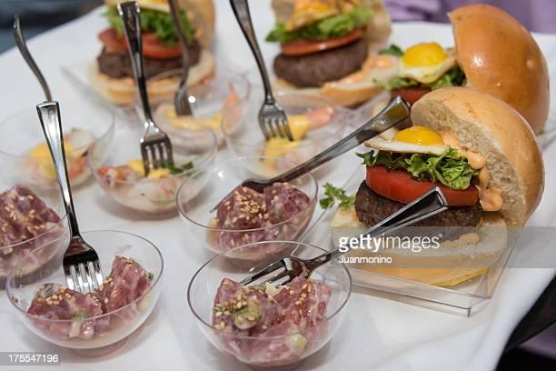 mini cheeseburger sliders with tuna bowls