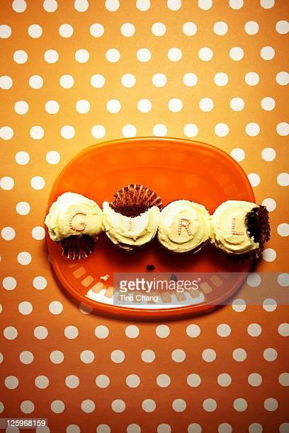 'GIRL' mini cupcakes