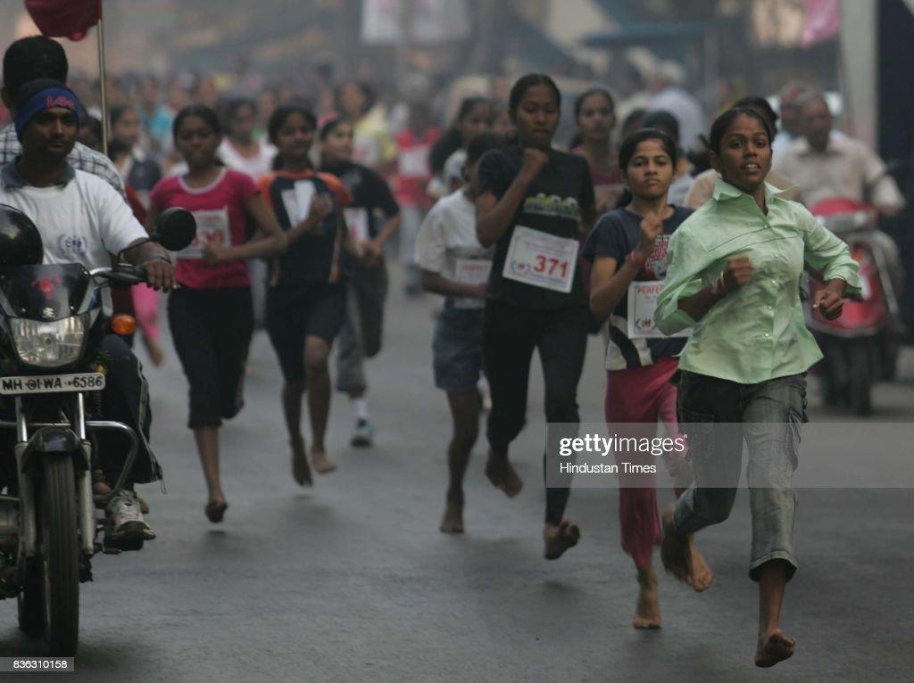 Mini Marathon which started from Ismail Yusuf College, Jogeshwari.