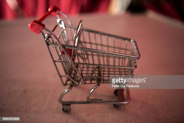 A mini shopping cart