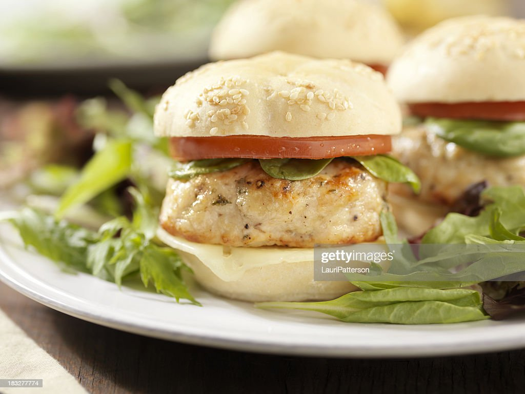 Mini Turkey Burgers with Spinach and Tomato : Stock Photo