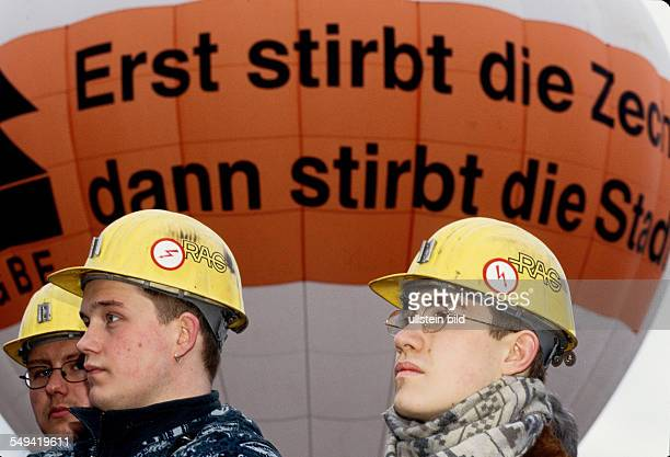 Miningdemonstrations IGBE vigil at the former mine Werne in Werne
