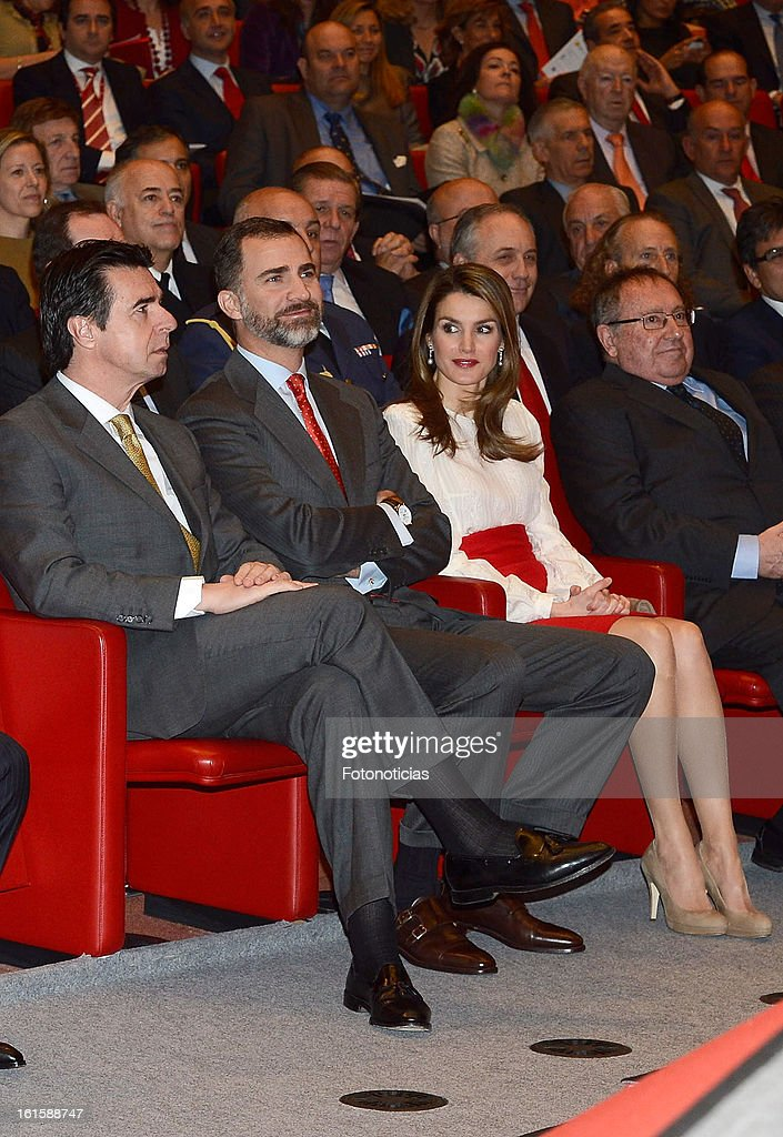 Minister <a gi-track='captionPersonalityLinkClicked' href=/galleries/search?phrase=Jose+Manuel+Soria&family=editorial&specificpeople=6405496 ng-click='$event.stopPropagation()'>Jose Manuel Soria</a>, Prince Felipe of Spain and Princess <a gi-track='captionPersonalityLinkClicked' href=/galleries/search?phrase=Letizia+of+Spain&family=editorial&specificpeople=158373 ng-click='$event.stopPropagation()'>Letizia of Spain</a> attend the acreditations ceremony for honorary Spain 'Brand Ambassadors' at the Ciudad Financiera del Banco Santander on February 12, 2013 in Madrid, Spain.