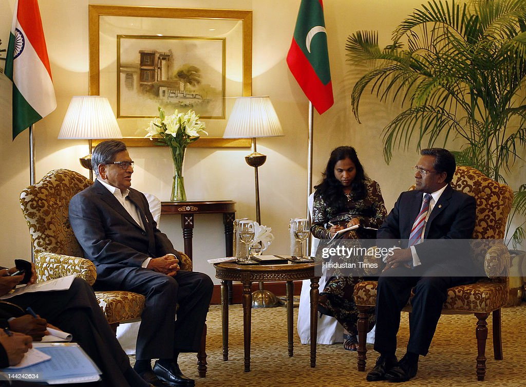 Minister of External Affairs S.M. Krishna (L) talks with Maldives President Mohamed Waheed (R) along Maldives delegation during a meeting at Taj Palace Hotel on May 12, 2012 in New Delhi, India. In his five day visit, Waheed will discuss the situation in the Maldives including possible early elections to end unrest that followed the controversial ouster of his predecessor Mohamed Nasheed.