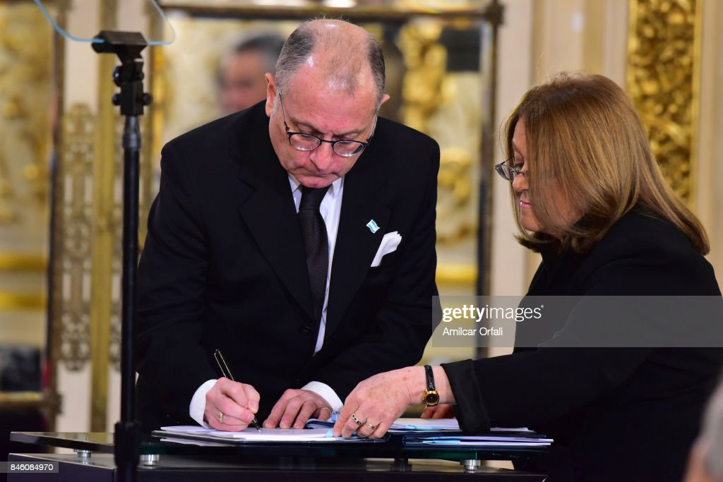 Minister of Foreign Affairs Jorge Faurie signs joint declaration for Argentina to disclose secret files regarding the Holocaust to Jerusalen during a meeting as part of the official visit of Israeli Prime Minister Benjamin Netanyahu to Buenos Aires at Casa Rosada on September 12, 2017 in Buenos Aires, Argentina.