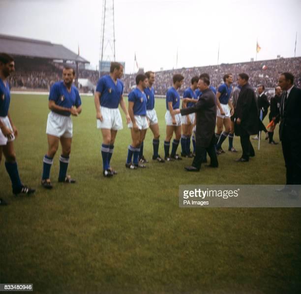 Minister of Sport Denis Howell greets the Italian team