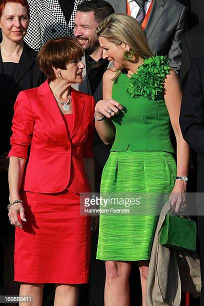 Ministerpresident of the German state of Hesse's wife Ursula Bouffier stands Queen Maxima of The Netherlands as she visits the federal state of Hesse...