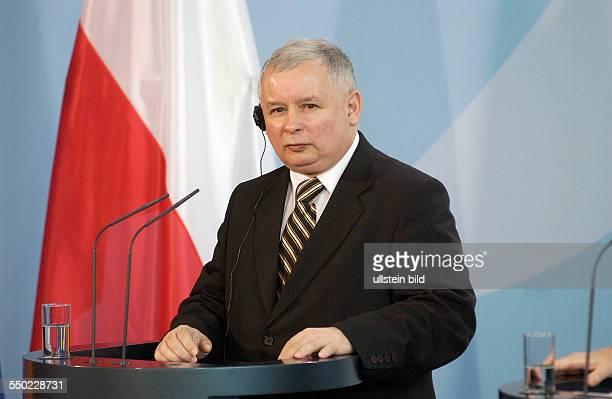 Ministerpräsident Jaroslaw Kaczynski während einer Pressekonferenz anlässlich seines Besuches in Berlin in Berlin