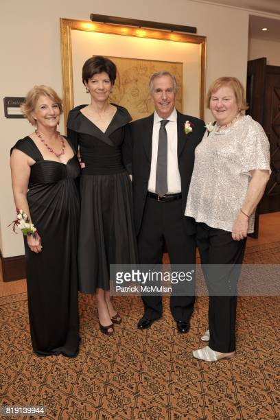 Minna Taylor Beth Quillen Thomas Henry Winkler and Lin Oliver attend JUNIOR LEAGUE LEGACY BALL HONORING HENRY WINKLER at Montage Hotel on March 6...