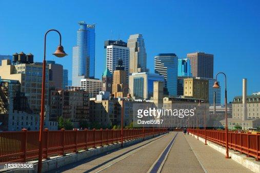 Minneapolis skyline and pedestrian bridge