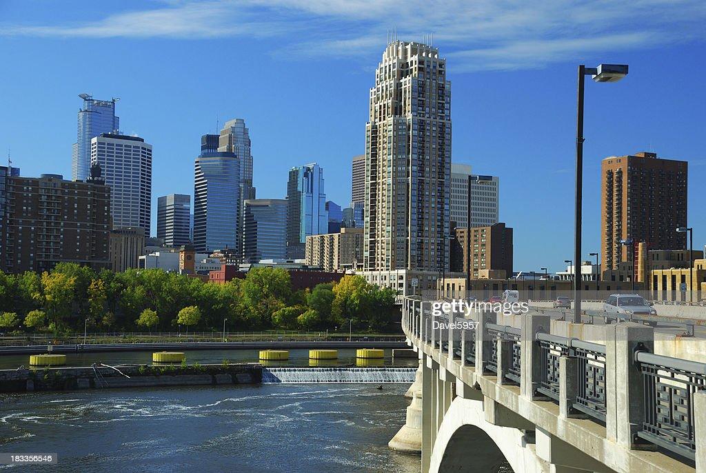 'Minneapolis skyline, bridge, and Mississippi River'