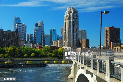 Minneapolis skyline, bridge, and Mississippi River
