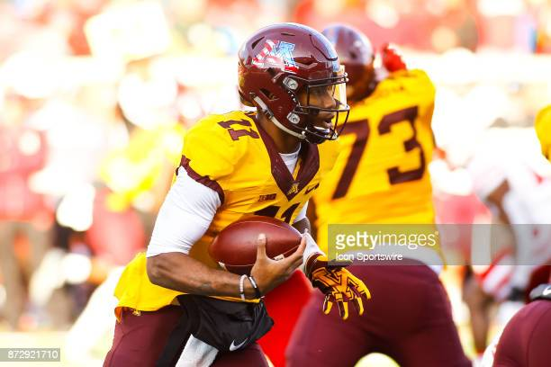 Minnesota Golden Gophers quarterback Demry Croft rushes in the 4th quarter during the Big Ten Conference game between the Nebraska Cornhuskers and...