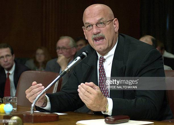 Minnesota Governor Jesse Ventura testifies before the Senate Finance Committee during a hearing on trade policy 05 October 2000 on Capitol Hill in...