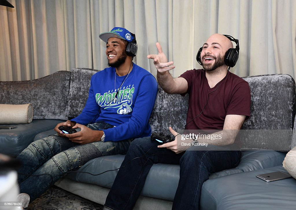 Minnesota Timberwolves Karl Anthony Towns goes head to head with Swiftor in Call of Duty: Black Ops 3 on April 29, 2016 in New York City.