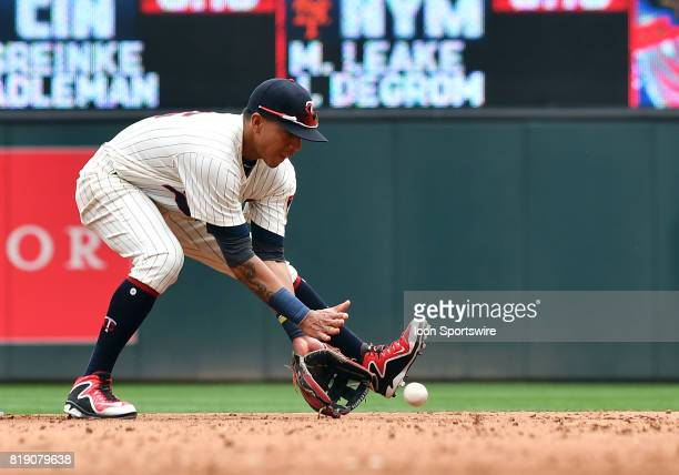 Minnesota Twins Infield Ehire Adrianza fields a ball during a MLB game between the Minnesota Twins and New York Yankees on July 19 2017 at Target...