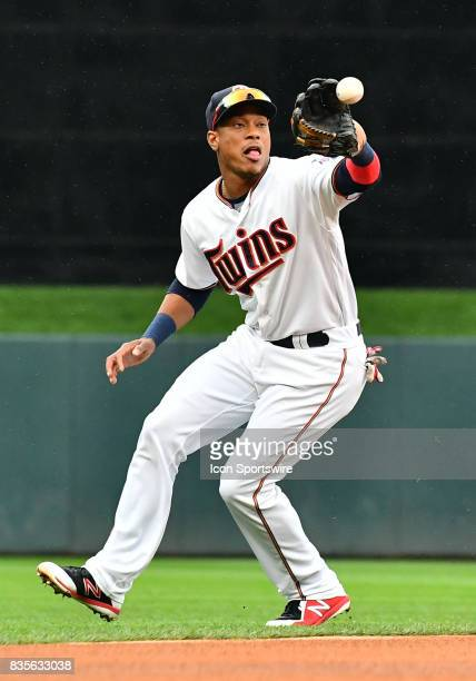 Minnesota Twins Shortstop Jorge Polanco catches a line drive during game 1 of a MLB splitdoubleheader between the Minnesota Twins and Cleveland...