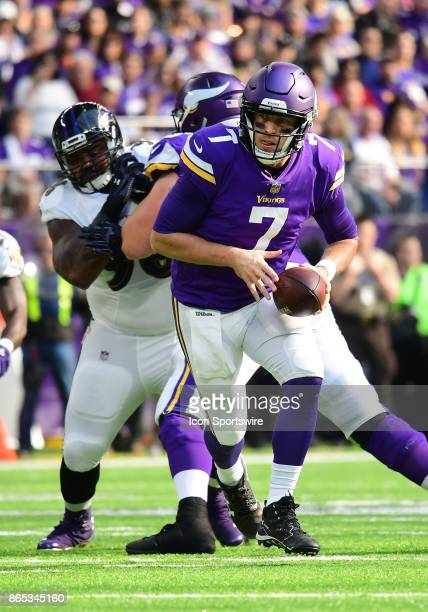 Minnesota Vikings quarterback Case Keenum looks to hand the ball off during a NFL game between the Minnesota Vikings and Baltimore Ravens on October...