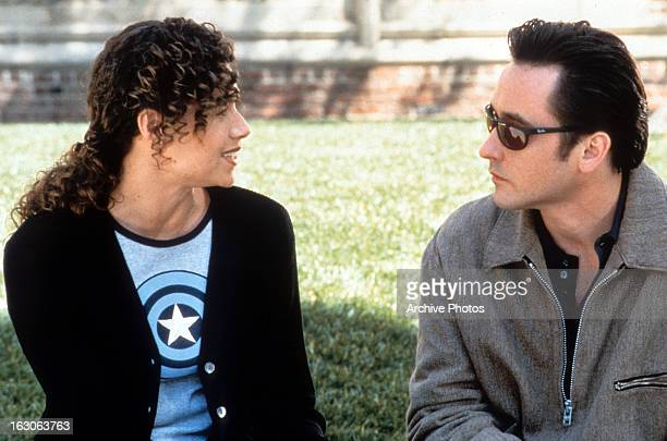 Minnie Driver talks with John Cusack in a scene from the film 'Grosse Pointe Blank' 1997