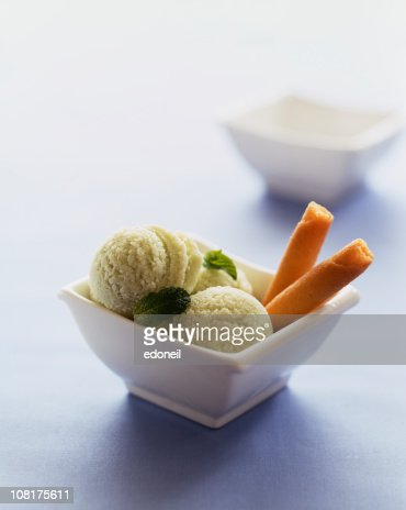 Mint Sorbet with Cookies in Bowl : Stock Photo