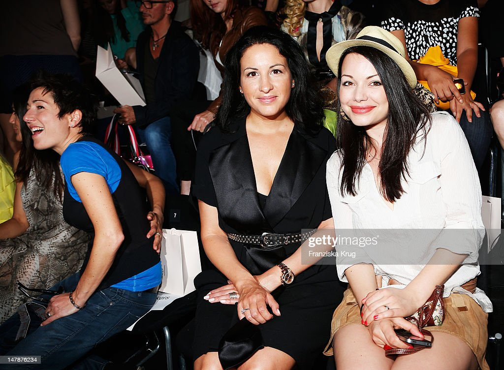 Minu BaratiFischer and Cosma Shiva Hagen sit in afront row during the runway at the Laurel Show during the MercedesBenz Fashion Week Spring/Summer...