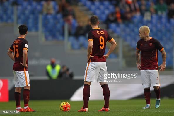 Miralem Pjanic Edin Dzeko and Radja Nainggolan of AS Roma react during the Serie A match between AS Roma and Atalanta BC at Stadio Olimpico on...