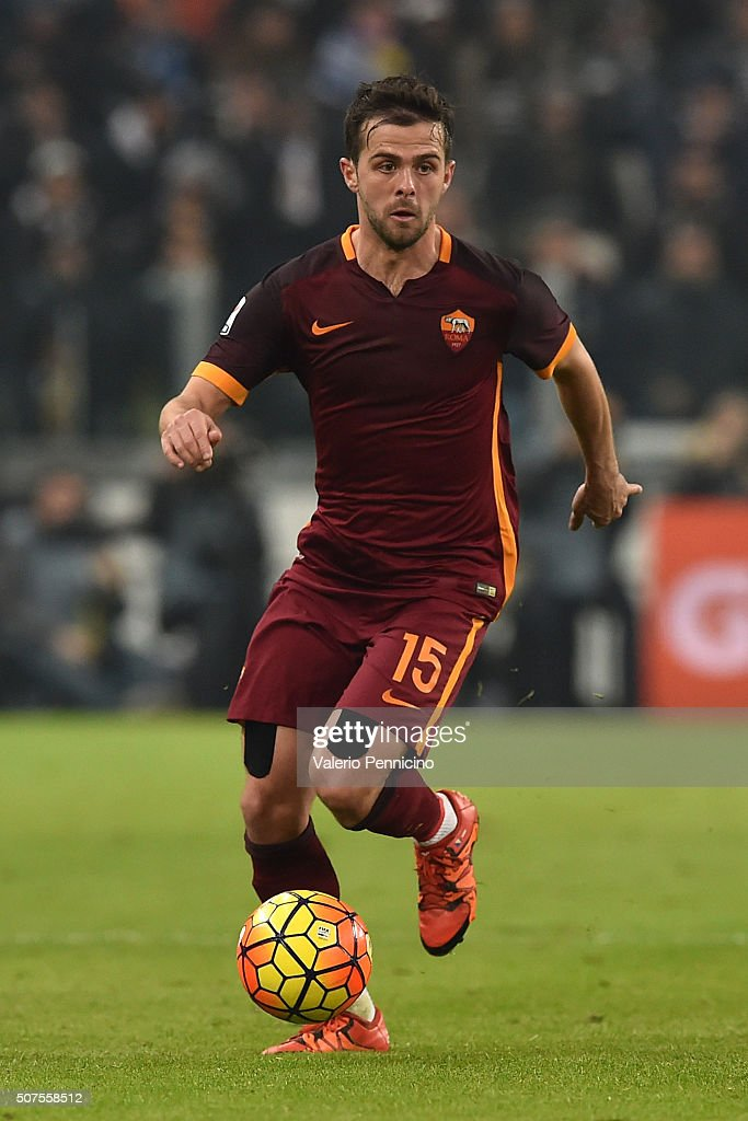 <a gi-track='captionPersonalityLinkClicked' href=/galleries/search?phrase=Miralem+Pjanic&family=editorial&specificpeople=4586190 ng-click='$event.stopPropagation()'>Miralem Pjanic</a> of AS Roma in action during the Serie A match between Juventus FC and AS Roma at Juventus Arena on January 24, 2016 in Turin, Italy.