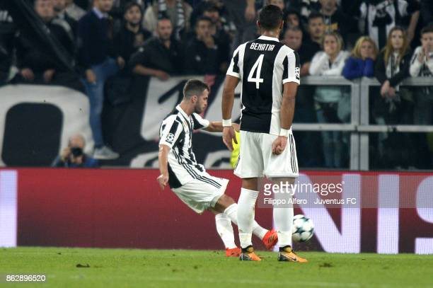 Miralem Pjanic of Juventus free kick during the UEFA Champions League group D match between Juventus and Sporting CP at Allianz Stadium on October 18...