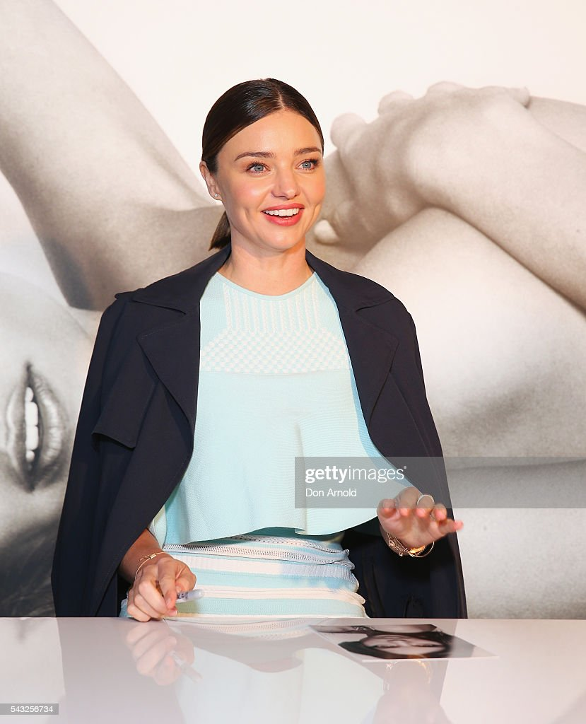 <a gi-track='captionPersonalityLinkClicked' href=/galleries/search?phrase=Miranda+Kerr&family=editorial&specificpeople=5714330 ng-click='$event.stopPropagation()'>Miranda Kerr</a> greets fans at Westfield,Sydney on June 27, 2016 in Sydney, Australia.