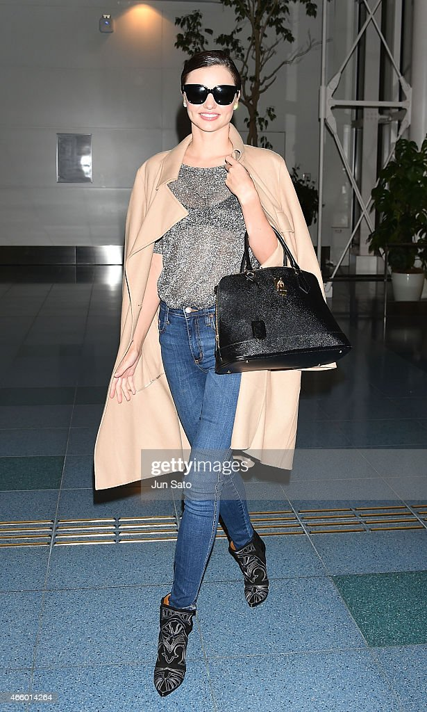 <a gi-track='captionPersonalityLinkClicked' href=/galleries/search?phrase=Miranda+Kerr&family=editorial&specificpeople=5714330 ng-click='$event.stopPropagation()'>Miranda Kerr</a> is seen at Haneda Airport on March 13, 2015 in Tokyo, Japan.