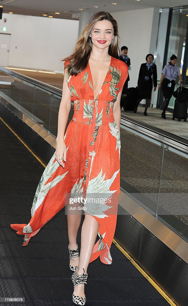 <a gi-track='captionPersonalityLinkClicked' href=/galleries/search?phrase=Miranda+Kerr&family=editorial&specificpeople=5714330 ng-click='$event.stopPropagation()'>Miranda Kerr</a> is seen upon arrival at Narita International Airport on July 18, 2013 in Narita, Japan.