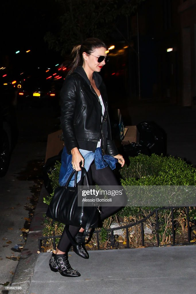 Miranda Kerr on the streets of lower Manhattan on October 25, 2013 in New York City. Bloom, who is currently starring in 'Romeo & Juliet' on Broadway, and his model wife Kerr announced today in a joint statement that they have amicably separated.