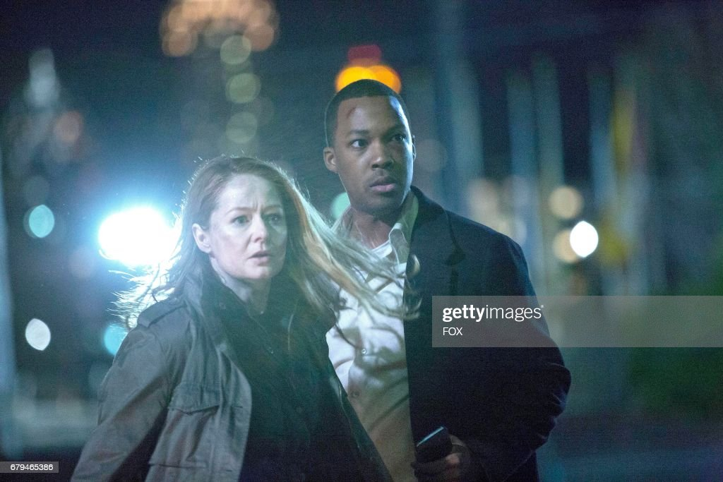 Miranda Otto and Corey Hawkins in the '11:00 PM-12:00 AM' season finale episode of 24: LEGACY airing Monday, April 17 (8:00-9:01 PM ET/PT) on FOX.