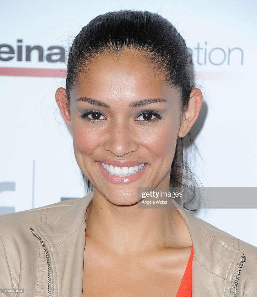 <a gi-track='captionPersonalityLinkClicked' href=/galleries/search?phrase=Miranda+Rae+Mayo&family=editorial&specificpeople=10822471 ng-click='$event.stopPropagation()'>Miranda Rae Mayo</a> arrives at the Matt Leinart Foundation's 7th Annual 'Celebrity Bowl' at Lucky Strike Bowling Alley on July 18, 2013 in Hollywood, California.
