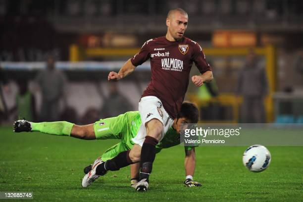 Mirco Antenucci of Torino FC scores a goal during the Serie B match between Torino FC and AS Bari at Olimpico Stadium on November 13 2011 in Turin...
