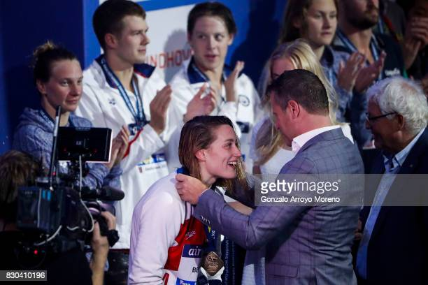 Mireia Belmonte from Spain receives the golden medal of the Women's 800m Freestyle during the award ceremony of the the FINA/airweave Swimming World...