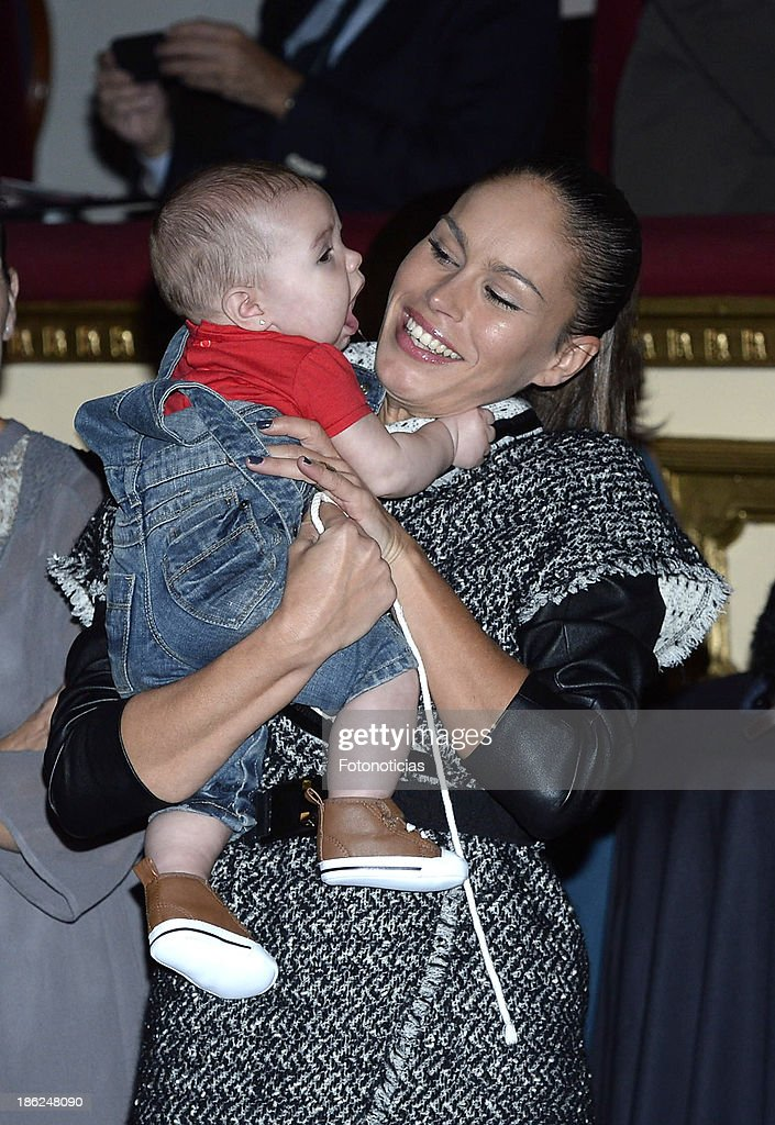 Mireia Canalda and her baby daughter Ines Lopez attend Mia magazine 'Cuida de Ti' 2013 Awards at Calderon theater on October 29, 2013 in Madrid, Spain.