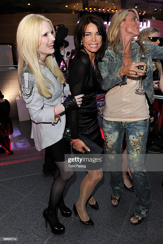 Mirja du Mont and actress Gerit Kling attend the 'OK! Style Award 2010' at the british embassy on May 6, 2010 in Berlin, Germany.