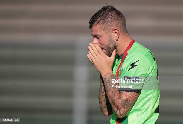 Mirko Carretta of Ternana Calcio reacts during the Serie B match between US Cremonese and Ternana Calcio at Stadio Giovanni Zini on October 8 2017 in...