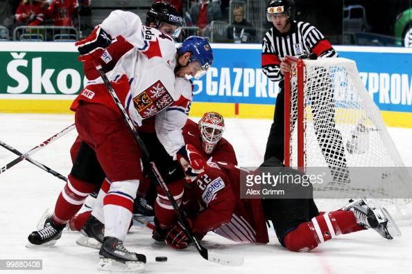 Miroslav Blatak of Czech Republic tries to score against Francois Beauchemin and goalkeeper Chris Mason of Canada during the IIHF World Championship...