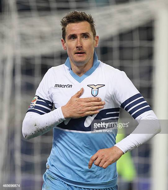 Miroslav Klose of SS Lazio celebrates after scoring the third team's goal during the Serie A match between SS Lazio and ACF Fiorentina at Stadio...